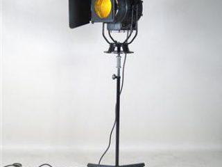 retro set lighting